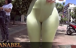 Massive ass and cameltoe leggings in public