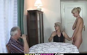 Horny mom licks her young pussy then old padre fucks